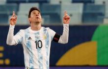 Argentina triunfa y termina líder de la mano de Messi