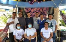 Piden atención para jóvenes que están en huelga de hambre
