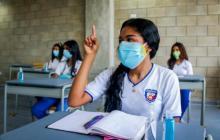 """""""No volver a clases presenciales es una violación al derecho a la educación"""": Defensoría"""