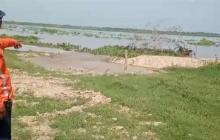 S.O.S en Salamina: el río empezó a ingresar a un predio en el km 1.9