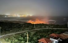 Reportan incendio de palizada en playa de Puerto