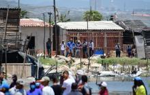 Distrito desaloja familias que ocupan zonas de bajamar