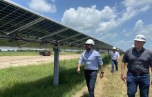 Alcalde Pumarejo explica que la granja solar de Texas será el modelo que proyecta construir Barranquilla