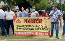 Docentes realizan plantón en Montería para exigir garantías de bioseguridad