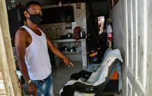"""""""La bala le atravesó las dos manos"""": esposo de mujer herida en La Paz"""