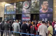 'Messimanía' en París: multitudes para verlo y comprar su camiseta