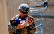 Al menos tres bebés han nacido durante las evacuaciones