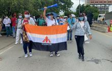 Manifestantes recorren el centro de Montería