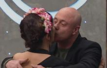 Reconocida actriz roba un beso a Jorge Rausch en MasterChef Chile