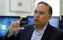 """Embajador de Colombia en España ofrece disculpas por hablar de escritores """"neutros"""" en la Feria del Libro de Madrid"""