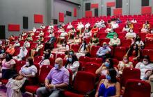 Distrito abre convocatoria para dar 100 becas de especialización a docentes