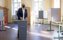 Con un estrecho margen, el SPD de Scholz lidera elecciones generales en Alemania