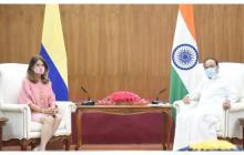 Canciller llegó a India en busca de apoyo para producción de vacunas