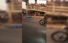 Sicarios en moto asesinan a hombre en El Pueblito