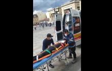 Joven huelguista tuvo que ser llevado a un hospital