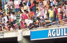 Otros incidentes por el desprendimiento de barandas en el estadio Roberto Meléndez