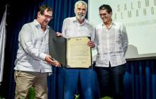 Doctorado honoris causa en Economía a Salomón Kalmanovitz