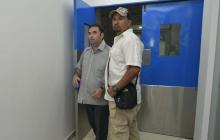 Alteración en la puerta del Hospital Metropolitano tras diligencia judicial