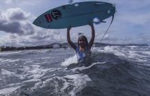 Francesca, la surfista de 9 años