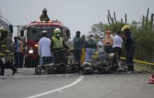 Imágenes de la inspección de los cuerpos en accidente