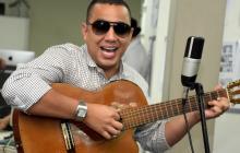 En video: Felipe Peláez canta Lo tienes todo en #SesionesEH