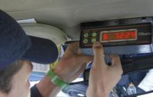 """""""Con el manejo justo y honesto funcionará"""": usuarios y taxistas opinan sobre el taxímetro"""
