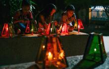 Niños y adultos de la Costa madrugaron a encender velitas