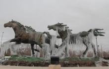 Así se ven las estatuas congeladas en México por las bajas temperaturas