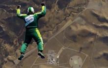 Luke Aikins, la primera persona en saltar de un avión sin paracaídas