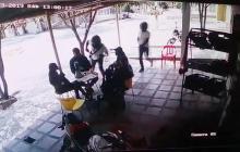 En video | Cámara registra atraco a empleados de compañía de telefonía celular en Soledad