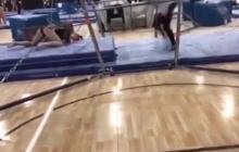 La impactante caída de una gimnasta en una competencia en EEUU