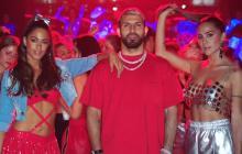 Sergio Agüero protagoniza '22', el nuevo video de TINI y Greeicy