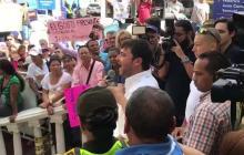 Jaime Pumarejo se dirige a sus seguidores luego de inscribir su candidatura en la Registraduría
