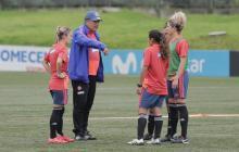 DT de Selección Colombia Femenina responde a declaración de Yoreli Rincón sobre un posible veto