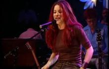 Shakira celebra 20 años de la grabación de su MTV Unplugged