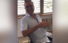 En video | Una catapila le envían de regalo al maestro Iván Villazón