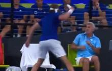En video   Tenista golpea a su papá con la raqueta y su mamá lo regaña desde las gradas