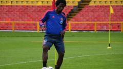 Carlos Sánchez en el entrenamiento de la Selección Colombia