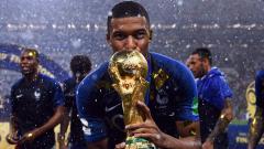 Kylian Mbappé besó la gloria a los 19 años de edad.