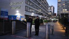 Johnson permanece hospitalizado en el hospital St Thomas.
