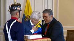El presidente Duque durante el homenaje al saliente técnico de la Selección Colombia, José Pékerman.