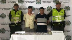 A los detenidos les encontraron moneda nacional y dólares.