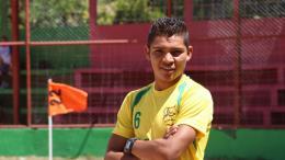 Yilmar Navid Artuz Pineda luciendo la camiseta del equipo FC San Francisco, de la tercera división de Nicaragua.