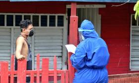 Cien gestores comunitarios realizan Pruebas, Rastreo y Aislamiento Selectivo y Sostenible casa a casa en Montería.