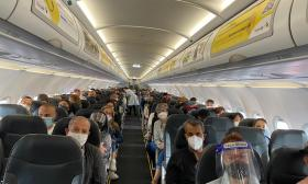 Aspecto del interior del vuelo de Viva Air.