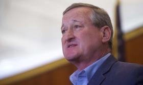 """""""Que se ponga los pantalones y asuma que perdió"""": alcalde de Filadelfia"""