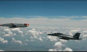 Dron reabastece de combustible un avión militar de EEUU en pleno vuelo