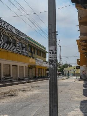 Locales comerciales cerrados en el centro de Barranquilla.