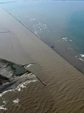 Vista del canal de acceso al Puerto de Barranquilla. En el PND quedó incluida la APP para mejorar navegabilidad del río Magdalena.