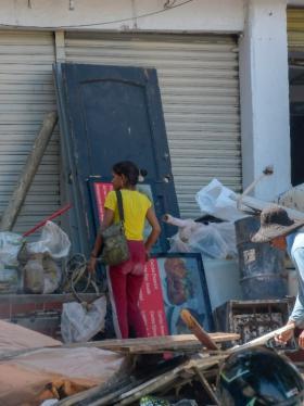 Residentes de Boston reportan bodega de reciclaje 'clandestina'